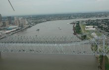 The oil spill occurred near the Greater New Orleans Bridge on July 23, 2008 (USGS photo).