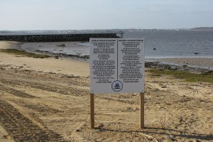 Use of public beaches for recreation is restricted by contamination at the Raritan Bay Slag site.